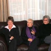 Karen, Anne en Barrie