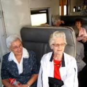 Santie en Adrie in die trein