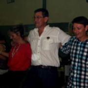 Die Griekse dans besorg baie pret